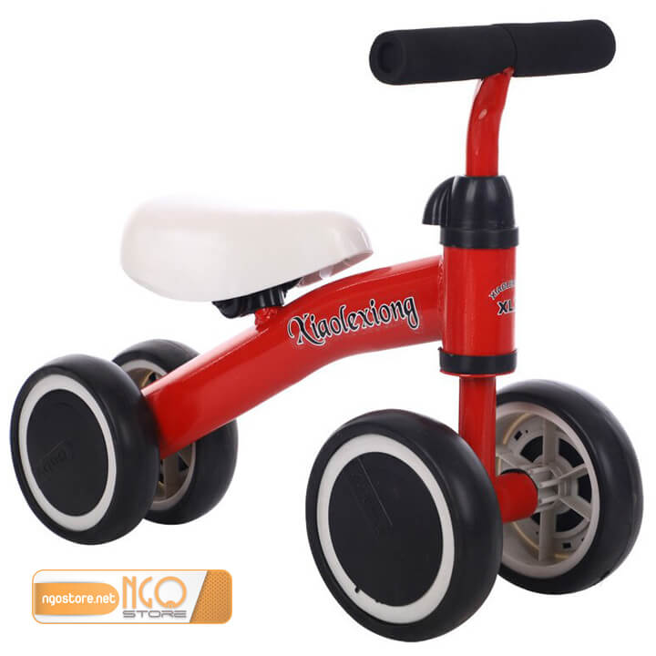 xe thăng bằng 4 bánh cho bé